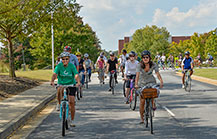 Mayor joins GGC employees in biking to downtown lunch